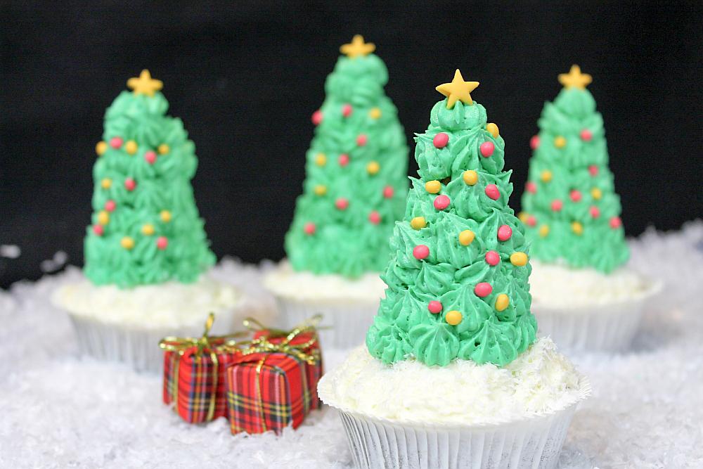 Bild von selbstgemachten weihnachtsbaum cupcakes