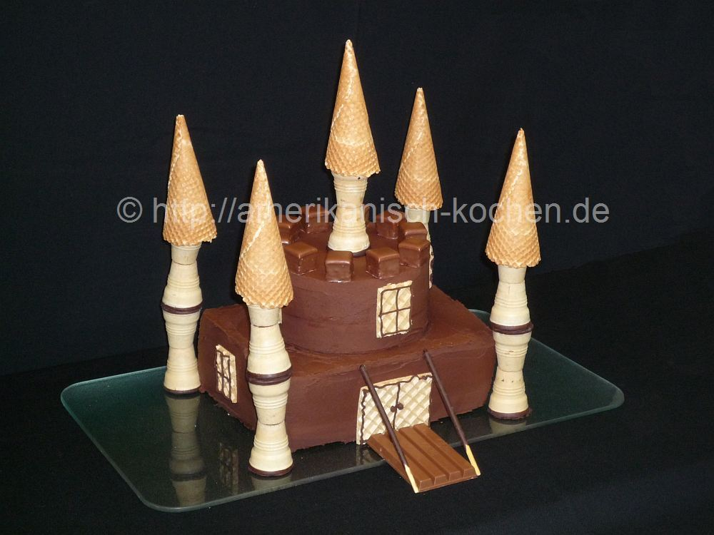 ritterburg kuchen schlosskuchen f r jungen castle cake for boys amerikanisch. Black Bedroom Furniture Sets. Home Design Ideas