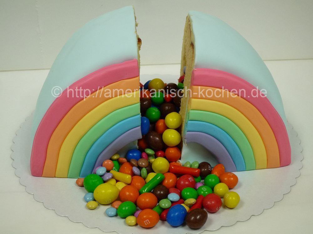 rainbow pi ata cake regenbogen pi ata kuchen berraschungskuchen amerikanisch. Black Bedroom Furniture Sets. Home Design Ideas