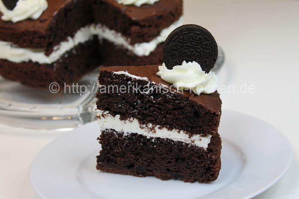Cookies And Cream Cake Dunkler Schokoladenkuchen Mit Vanillefullung