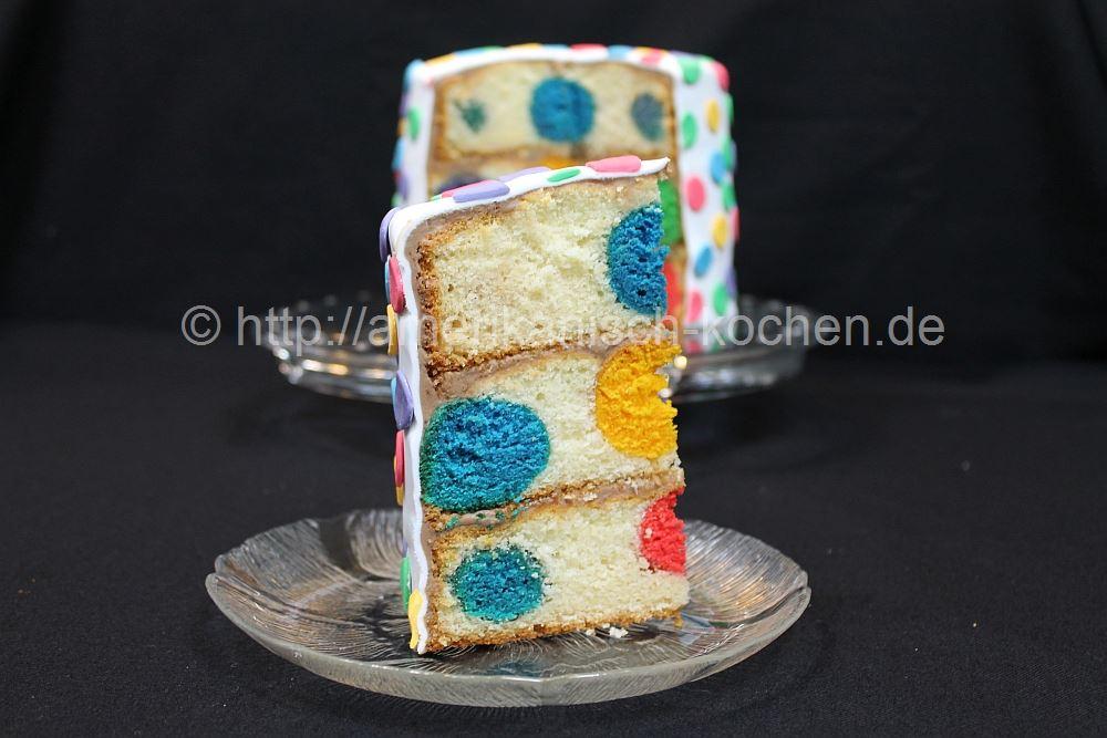 polka dot cake polka dot kuchen mit ganache und rollfondant amerikanisch. Black Bedroom Furniture Sets. Home Design Ideas