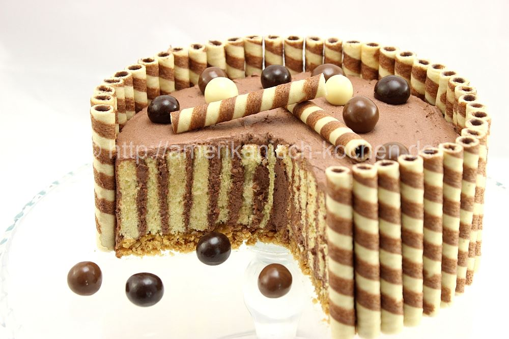 wafer cake mit schokoladensahne schokoladentorte mit waffeln wickeltorte amerikanisch. Black Bedroom Furniture Sets. Home Design Ideas