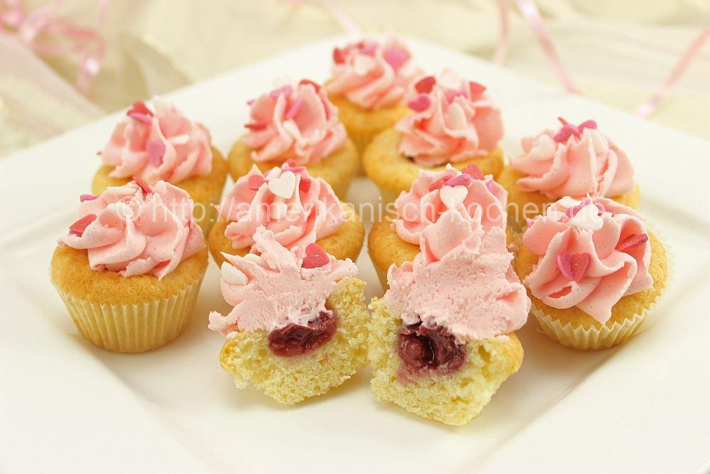 valentinstag woche 3 mini kirsch vanille cupcakes amerikanisch. Black Bedroom Furniture Sets. Home Design Ideas