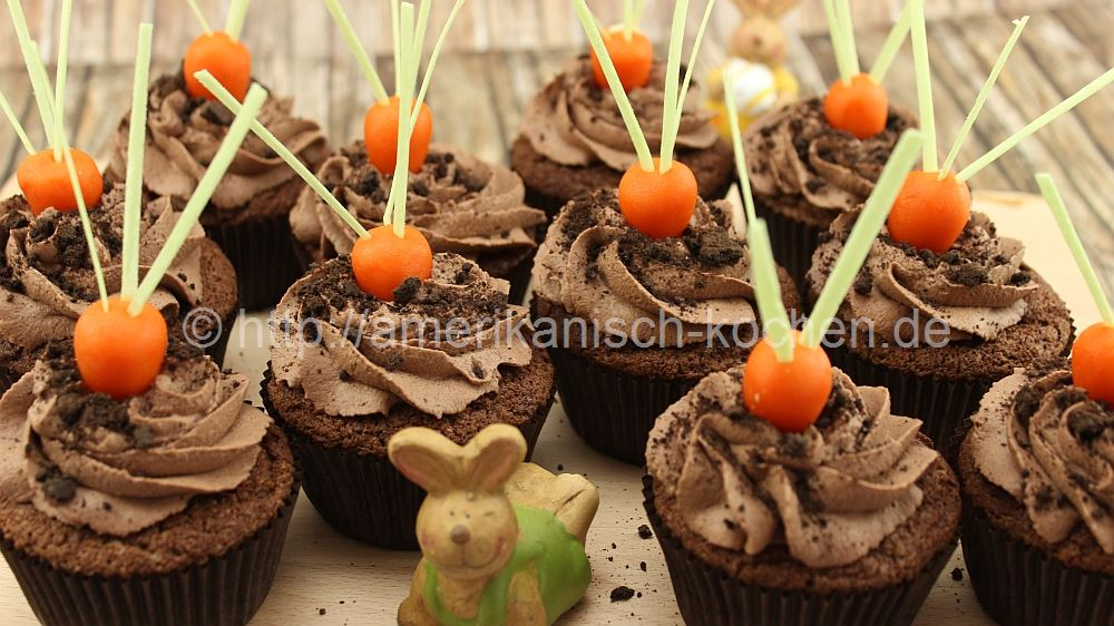schoko cupcakes mit marzipan deko chocolate cupcakes amerikanisch. Black Bedroom Furniture Sets. Home Design Ideas