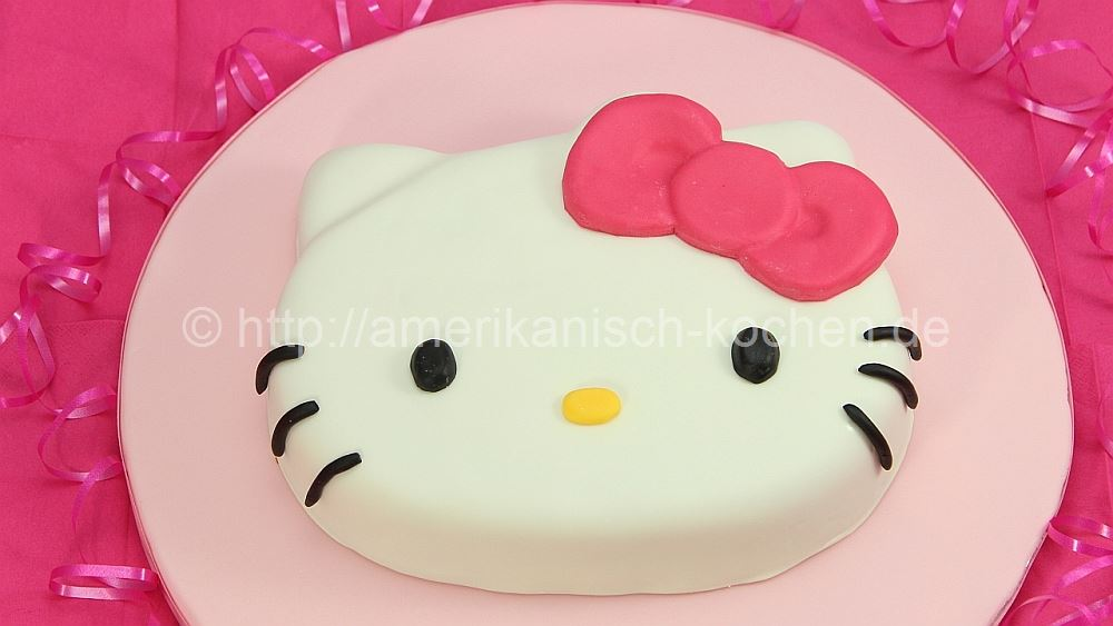 pink velvet cake im hello kitty style amerikanisch. Black Bedroom Furniture Sets. Home Design Ideas
