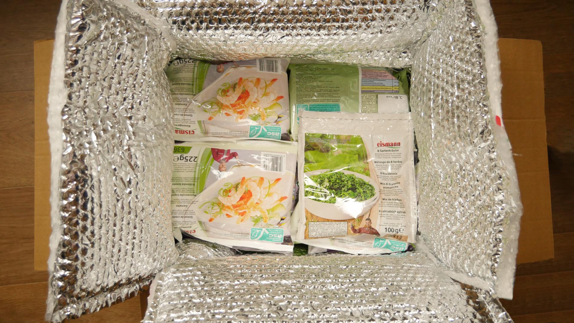 Karton mit durch Trockeneis gekühlter, eismann Lebensmittel