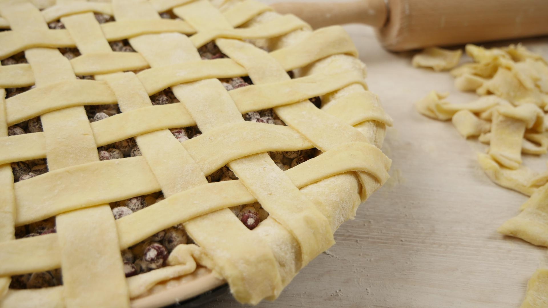 Bild einer ungebackenen Blueberry Pie